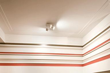 detalhe-de-molduras-de-gesso-sortidas-na-parede